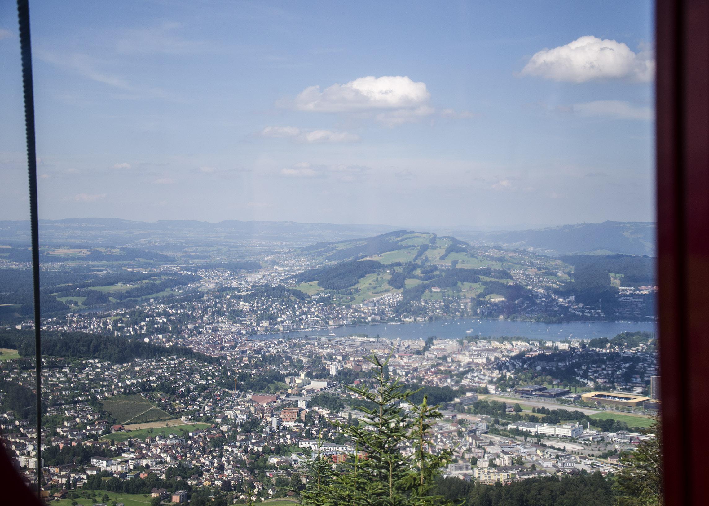 Widok na Lucernę z pierwszej kolejki